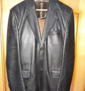 Пиджак кожа нат.Небольшой торг.