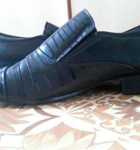 Новые стильные мужские туфли