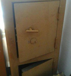 2 хороших сейфа