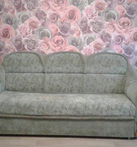 диван и два кресла + 2 подушки