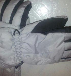 Перчатки лыжные.