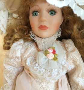 Кукла фарфоровая Англия