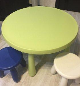 Детский стол+2 стульчика