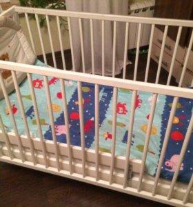 Продаю детскую кроватку (комплект)