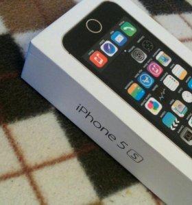 iPhone 5s. 32gb плеер в подарок.