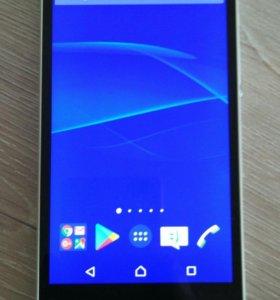 Продам Sony Xperia Z (белый)