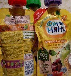 Детское питание: пюре из фруктов и злаков