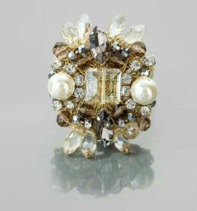 Дизайнерское кольцо из коллекции Selena Beatrice