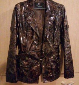 Куртка из натуральной лаковой кожи