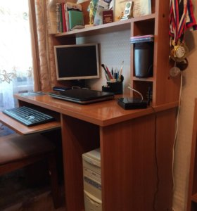 Стол компьютерный (стол для занятий)