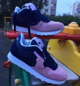 Новые кроссовки Reebok.