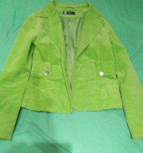 Приталенный вельветовый пиджак