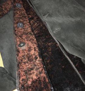 Замшевый удлиненный пиджак кожа