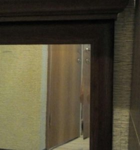 Зеркало с карнизом