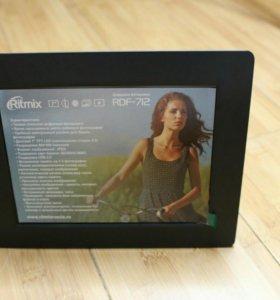 Цифровая фоторамка Ritmix RDF-712