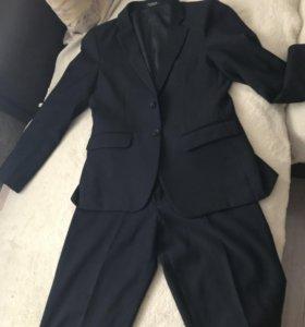 Школьный костюм( тройка)