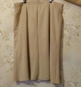 Продаются 2 юбки. Указана цена да штуку.