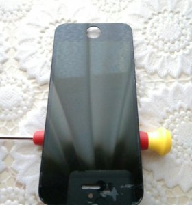 IPhone 5 экран черный