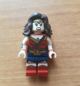 Чудо женщина (лего)
