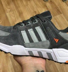 кроссовки новые, р-р 45