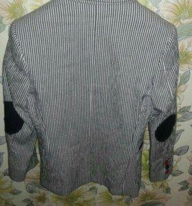 Пиджак на мальчика 6-7 лет