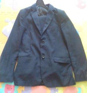 Школьный костюм.158-165см