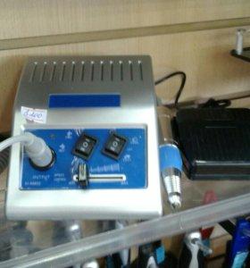 Машинка для аппаратного  маникюра и педикюра с наб