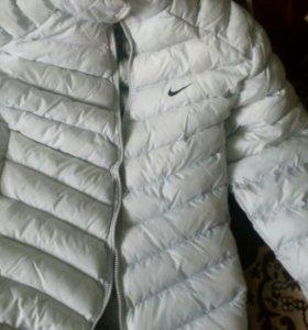 Весенняя куртка Найк