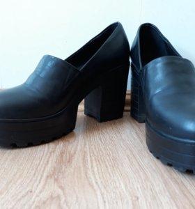 Продам демисезонные туфли