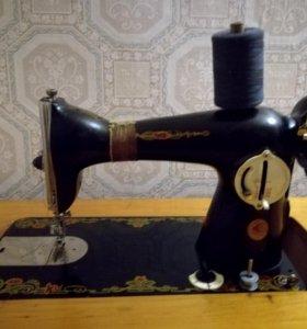 Швейная машинка( ножная: