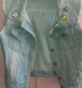 Новая джинсовая жилетка бершка