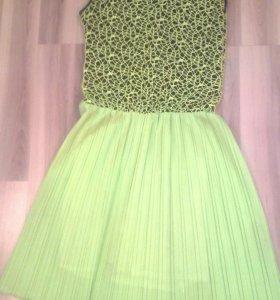 Платье с гипюром лимоновое