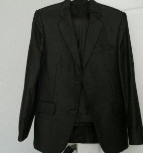 костюм мужской р-р 44 -46
