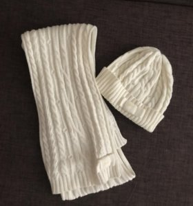Комплект шапка и шарф GUESS