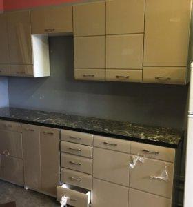 Кухня новая глянец