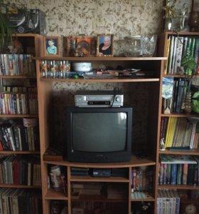 Полка под телевизор и две книжных полки