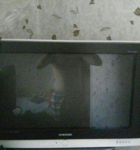 Телевизор самсунг для дома и дачи главное не дорог