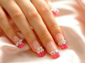 Нарощенные ногти и ресницы