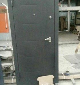 Металлическая дверь заводская модель Т3,5Н.