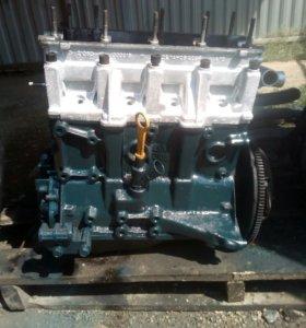 Двиготель ваз 21083
