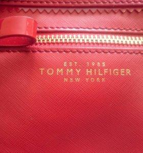 Сумочка Tommy Hilfiger кроссбоди