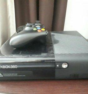 X-Box 360E на 4Gb +8 игр.