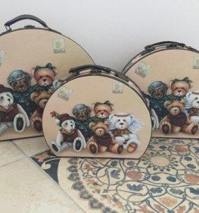 Набор из 3 декоративных чемоданов с мишками