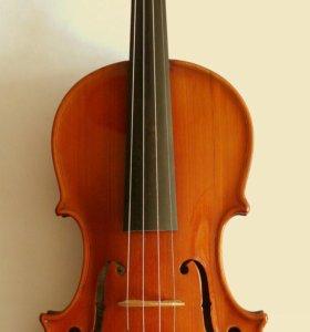 Продаю скрипку с футляром