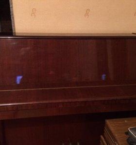 Продаю пианино.самовывоз