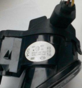 Продам противотуманные фары на Ауди Q7 Q3 и.т.д