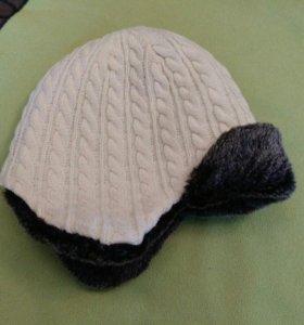 Зимняя вязаная шапка с мехом