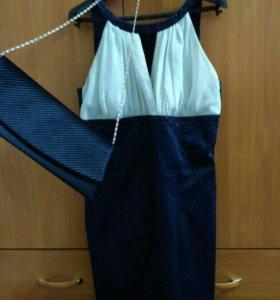 Платье с клатчем