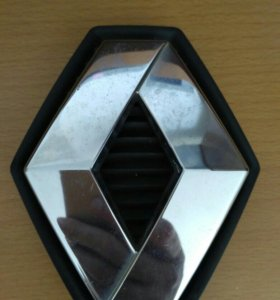 Эмблема Рено Лагуна 2 бампера переднего