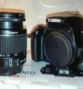 Зеркальный фотоаппарат Canon EOS 1100D.